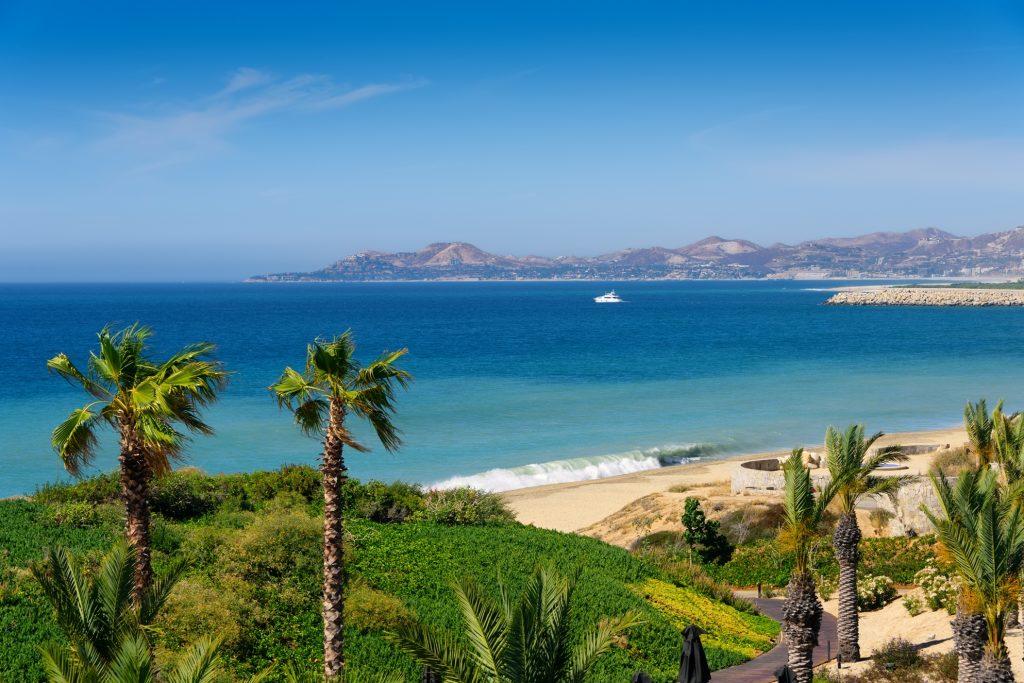Coastline-in-Cabo-San-Lucas