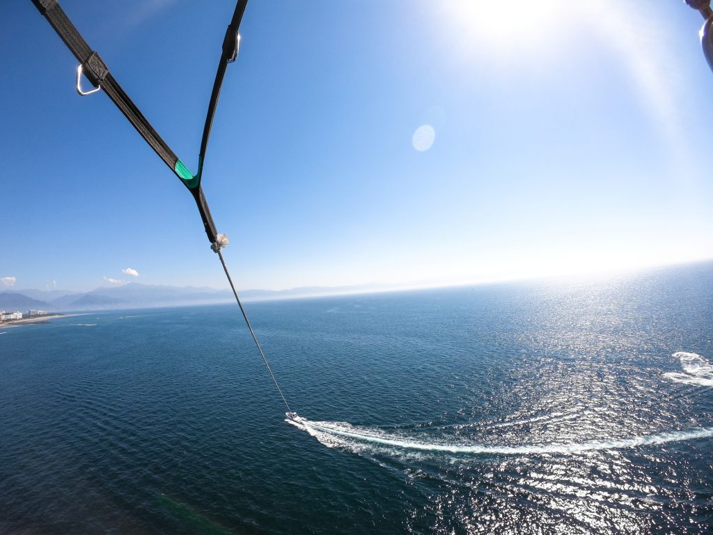 Parachute-in-Puerto-Vallarta