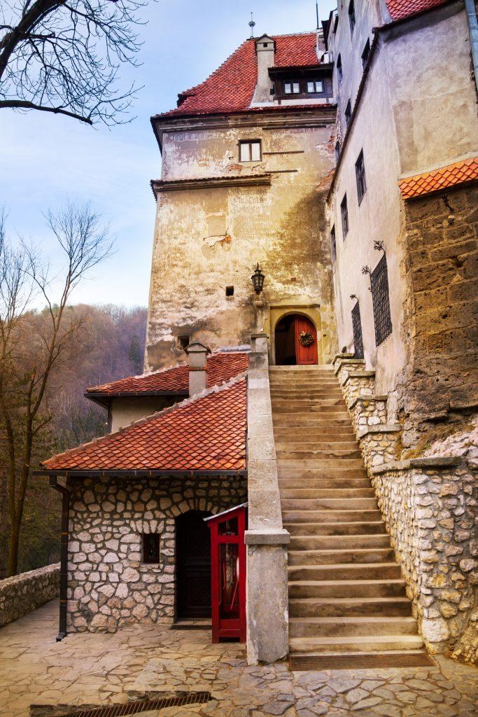 Close-View-of-Bran-Castle-Dracula-Castle