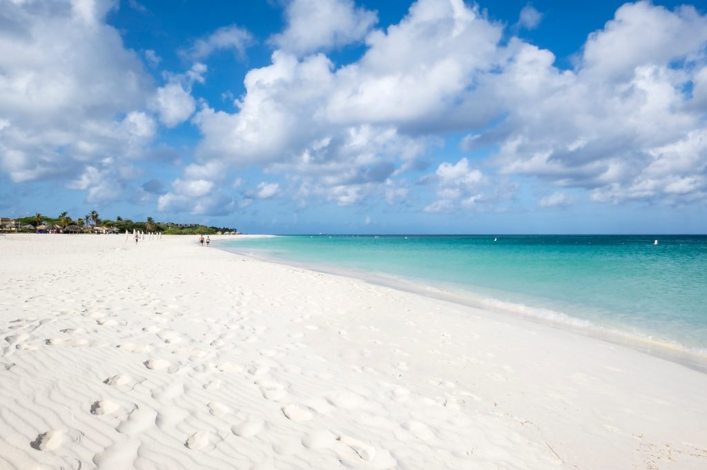 Short beach vacations in Aruba
