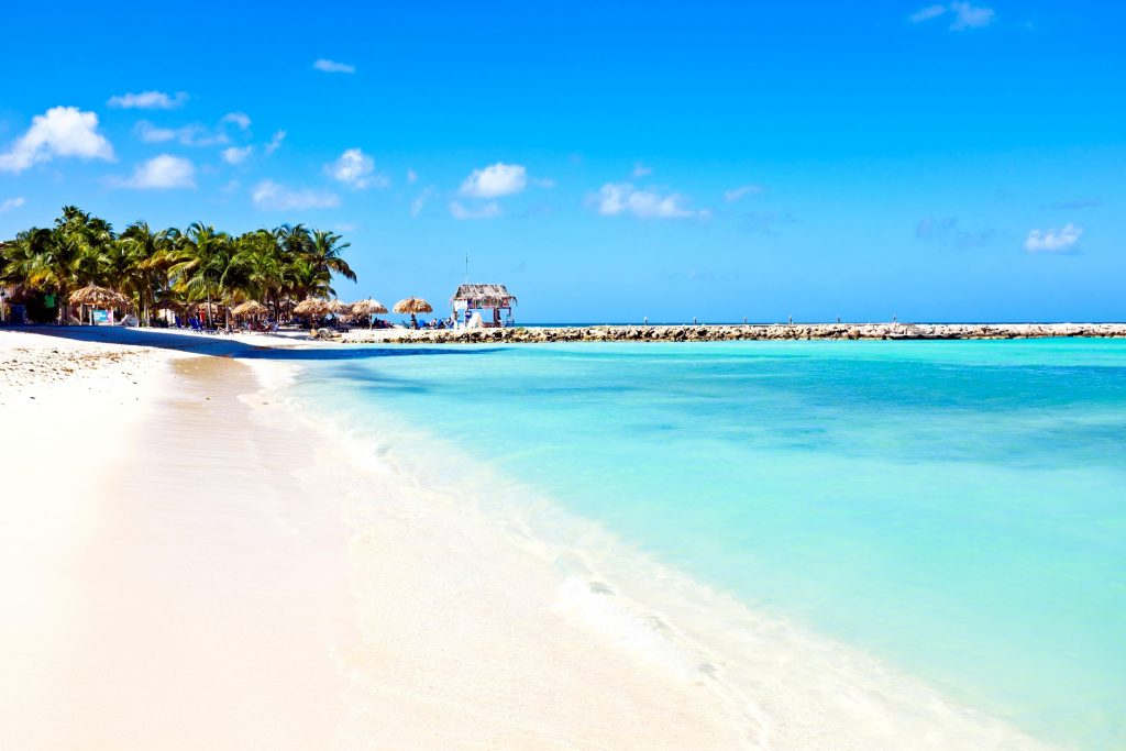 Short beach vacations to Aruba