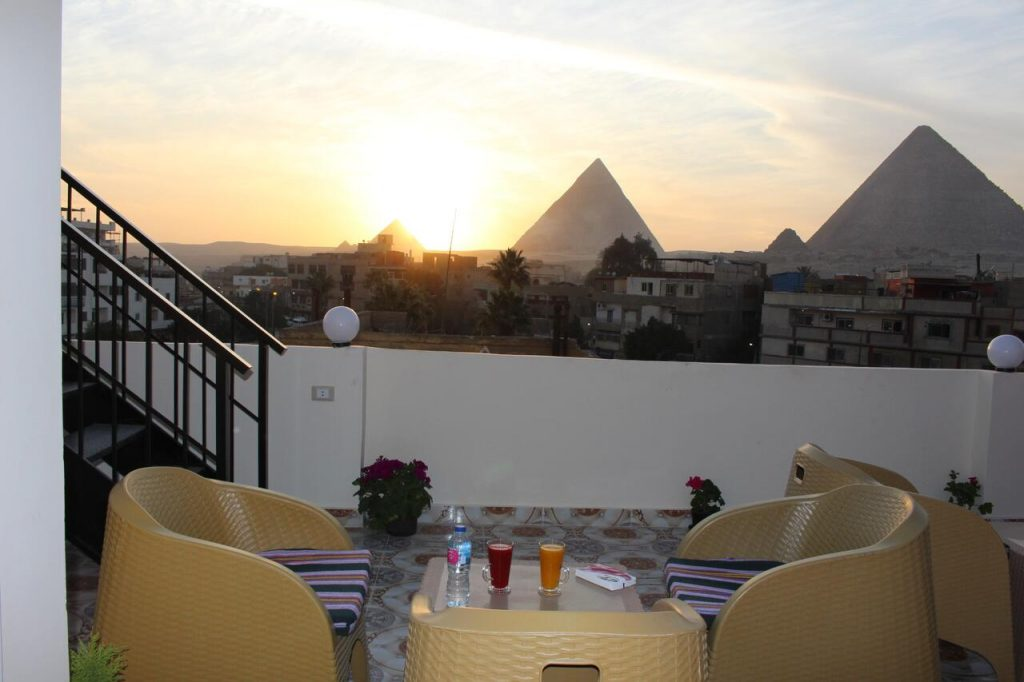 Magic-Golden-pyramids-Inn-Hotels-Cairo