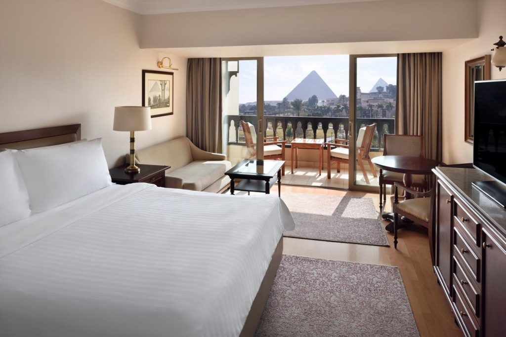 Marriott-Mena-House-room-hotel-cairo-facing-pyramids