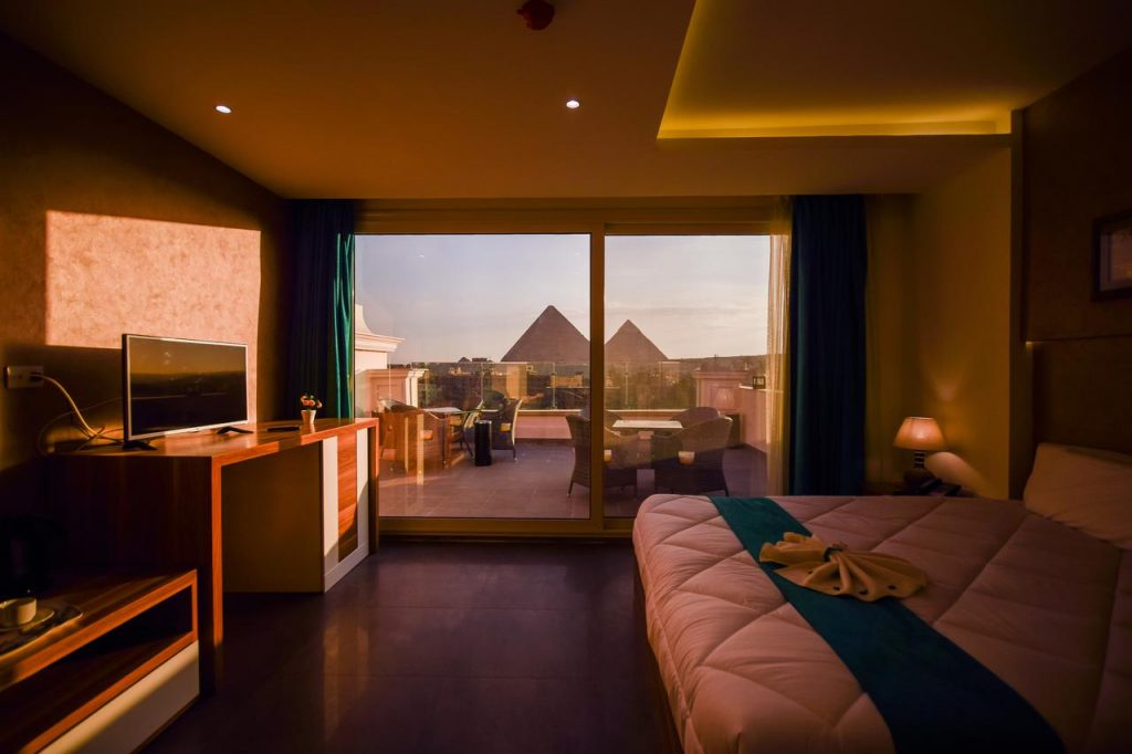 Pyramids-Eyes-Best-Hotels-in-Cairo